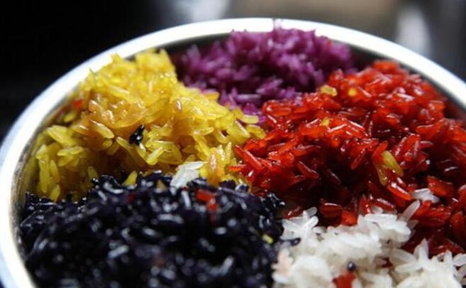 【通知公告】庆祝三月三食堂赠送五色糯米饭通知